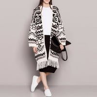 White Geometric Print Long Sleeve Knitted Tassel Kimono