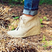 Country Girl Wedge