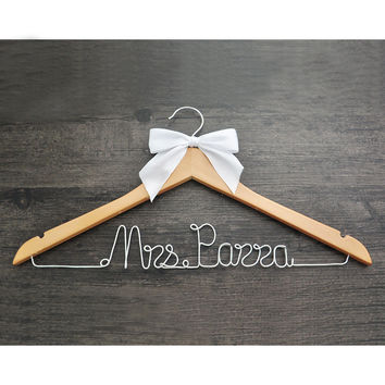 Personalized Wedding Hanger // Bridal Shower Gift // Bridesmaids Gist // Wire