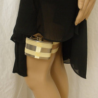 Flask Garter - WITH 4oz FLASK - Pastel Yellow - what garters are for