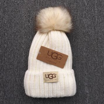 UGG Trending Fashion Casual  Knit And Pom Hat Cap Warm Woolen Hat Gray