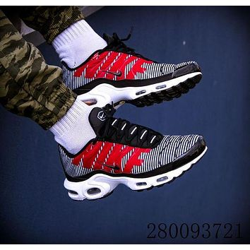1220 Nike Air Max Plus TN SE AT0040-001 Retro Sports Flyknit Running Shoes