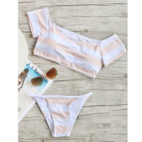 The new split bikini pink striped off-shoulder strapless swimsuit
