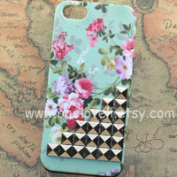 iphone 4 case,Silver studs Iphone case, Mint Green Floral Flower Rose, teal iphone case, teal Iphone 4 Case, iphone 4 cover