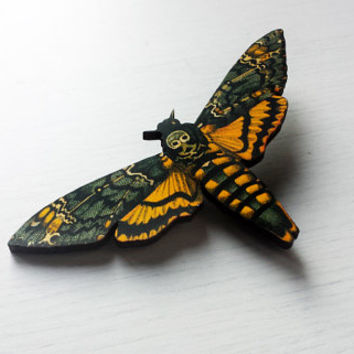 Death's-head hawkmoth / Retro Natural History Moth / Vintage Illustration - Handmade Laser Cutted Vintage Wooden Pin Brooch /Skull Butterfly