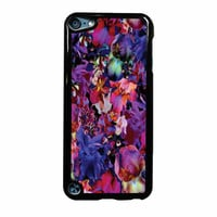Lush Floral Pattern Beaming Orchid Purple iPod Touch 5th Generation Case