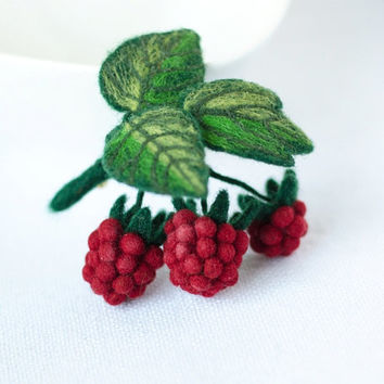 Felted Raspberry Brooch / red berries brooch / red brooches / felt pins / needle felted brooch / raspberry jewelry / gift for Her