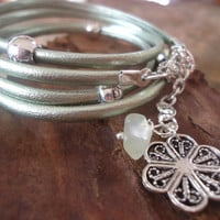 LIMEGREEN & FLOWER Wrap Bracelet with Spacer and by AsaiBolivien US$ 8,90