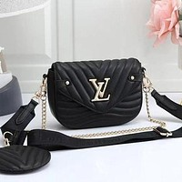 LV Louis Vuitton solid color simple chain bag shoulder bag two-piece set