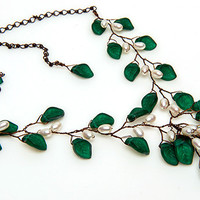 Emerald Green Beaded Necklace, Teal Leaf Necklace, Teal Vintage Style Jewelry, Nature Jewelry