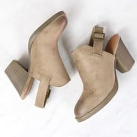 Final Sale - BC Footwear - Like Clockwork Clogs in Sand