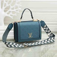 Louis Vuitton LV fashion embossed casual one-shoulder messenger bag trendy personality handbag