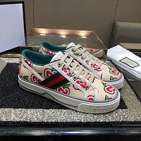 GUCCI Lace up flat sole shoes