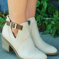 Block Party Booties: Ivory/Brown