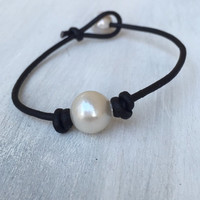 Leather and pearl bracelet, pearls on leather, pearl bracelet, leather and pearls, pearl, jewelry, leather jewelry, pearls, leather