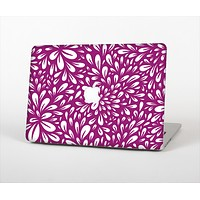 "The Purple & White Floral Sprout Skin Set for the Apple MacBook Pro 13""   (A1278)"