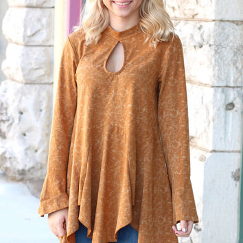 Acid Wash Keyhole + Peplum Flare Top {Golden Camel}