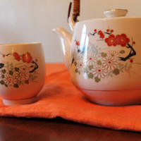 Vintage tea pot and cup set kettle unique design in excellent condition