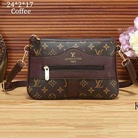 LV Louis Vuitton 2018 new tide brand diagonal cross bag shoulder bag handbag F-a-BBPFCJ Coffee