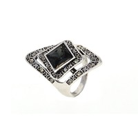 Dear Deer White Gold Plated Vintage Designer Rombus Swarovski Element Cocktail Ring
