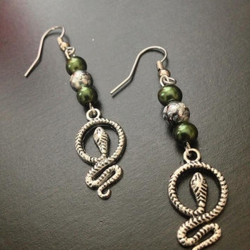 Slytherin - Hogwarts House - Harry Potter Inspired Earrings - Pearls & Silver Snakes - Nerd Jewelry and Geeky Gifts
