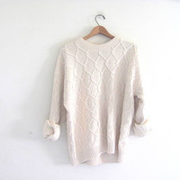 vintage slouchy sweater. chunky white sweater. oversized pullover shirt.