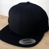Blank Black Snapback Cap.  Made to order quality snap back hats and designs. Official Snap Back hats.