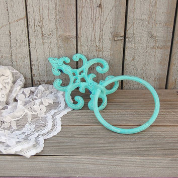 Shabby chic towel ring