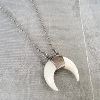 Double Horn Necklace, Silver Double Horn Necklace, Silver Horn Necklace, Crescent Horn Necklace, Silver Crescent Necklace, Horn Crescent