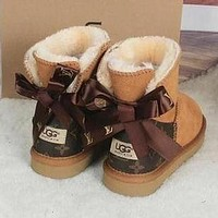 UGG X Louis Vuitton LV Hot Sale Snow Boots Trendy Simple Plush Hand-Sewn, Non-Slip Mid-Tube Plush Boots Fashion Ladies Bow Snow Boots