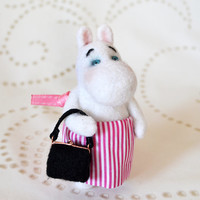 The Momminmamma felting toy- she is mother of Moomintroll and the spirit of kindness and carriing of Moomin Valley