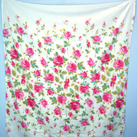 60s rose fabric - vintage COTTGE chic tablecloth - rose garden fabric