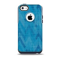 The Woven Blue Sharp Chevron Pattern V3 Skin for the iPhone 5c OtterBox Commuter Case