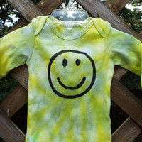 Tie Dye Baby Bodysuit with smiley face, choose Long Sleeve Bodysuit or short sleeve, Custom tie dye Baby clothes, Happy face, hippie baby