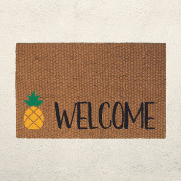Pineapple Welcome Doormat – Hand Painted Outdoor Rug  – Pineapple Decor - Housewarming Wedding Gift