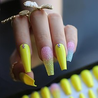 Luxury Extra long Coffin Glitter False Nails Detail