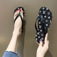Louis Vuitton LV New Flip Flops Ladies Beach Sandals and Slippers Slippers Fashionable Outerwear