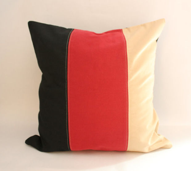 Pat Tyler Handcrafted Bed Sofa Chair Pillow Cushion Bolster Clock p646