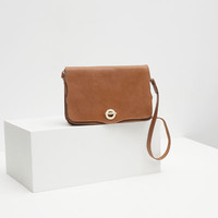 LEATHER MESSENGER BAG WITH GOLDEN CLASP