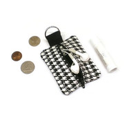 Small zippered pouch, coin purse, change bag, earbuds holder - Houndstooth black and white. Pouch key chain, backpack tag, 10 dollar gift