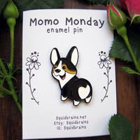 Momo Monday enamel pin of tri color pembroke corgi