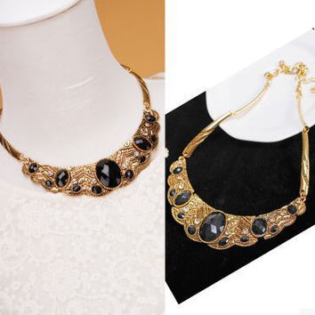 Fashion Metal Rhinestones Oval Gem Necklace Clavicle Chain