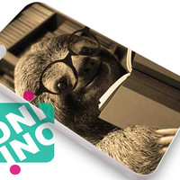 Sloth reading iPhone Case Cover | iPhone 4s | iPhone 5s | iPhone 5c | iPhone 6 | iPhone 6 Plus | Samsung Galaxy S3 | Samsung Galaxy S4 | Samsung Galaxy S5