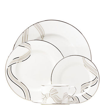 lacey drive 5 piece place setting
