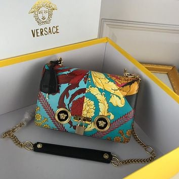 VERSACE WOMEN'S LEATHER 303K2 INCLINED CHAIN SHOULDER BAG