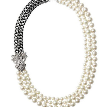 Charming Pearls Strand Necklace