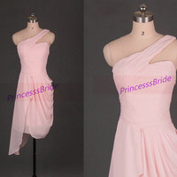 2014 short pink chiffon bridesmaid gowns,simple one shoulder dress for wedding party,cheap maid of honor dresses hot.