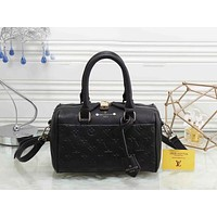 LV Popular Women Shopping Bag Pure Color Leather Tote Handbag Shoulder Bag Black I-LLBPFSH