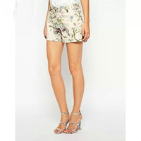 White Floral Print High-Waisted Zipper Shorts With Pockets
