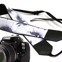 Wedding strap.Sunflowers Camera strap.  Roses camera strap.  dSLR Camera Strap. Camera accessories. Canon camera strap. Nikon camera strap.